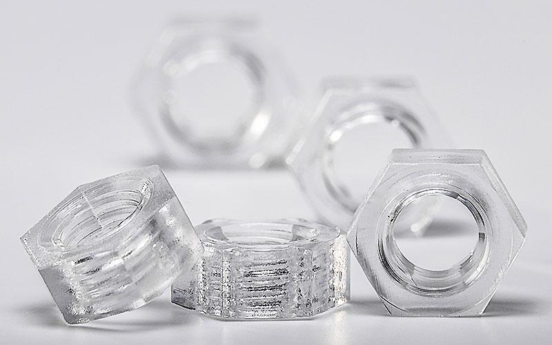 Muttern aus Acrylglas